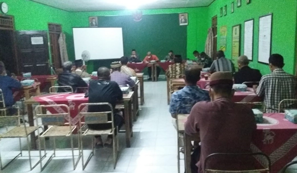 Pembinaan Ketua RT/RW Dan Penguatan Pelaksanaan PPKM Di Wilayah kelurahan Borokulon