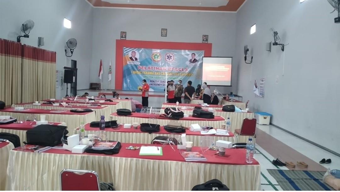 Lurah Borokulon Monitoring Pelatihan BT & CLS