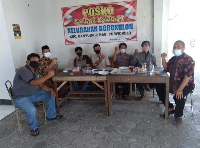 Kelurahan Borokulon Adakan Piket Jaga Posko Covid-19
