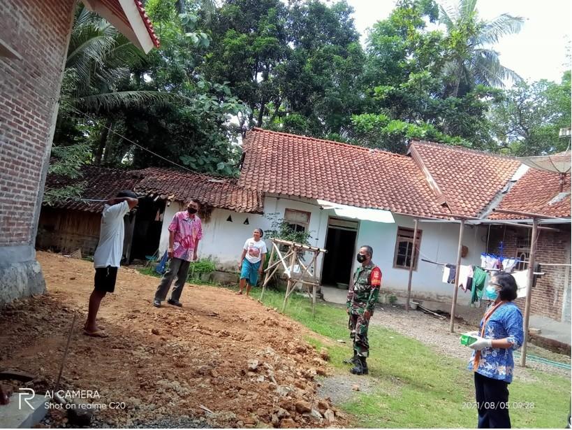 Lurah Kledung Karangdalem Memonitoring Warga Isoman Di Wilayahnya