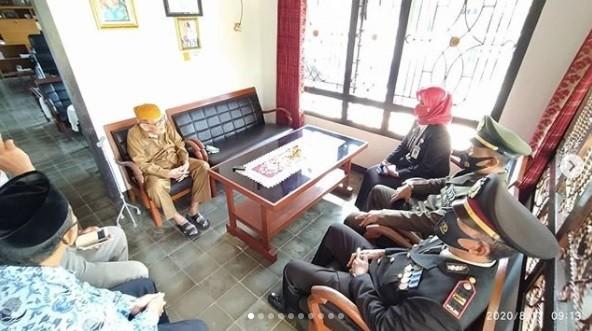 Anjangsana ke rumah veteran dan pensiunan TNI / Polri
