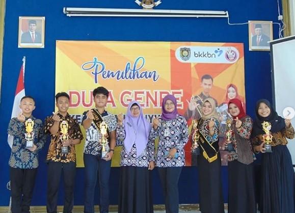 Warga Pakisrejo dan Siswi SMA N 6, menjadi Duta GenRe Kecamatan Banyuurip