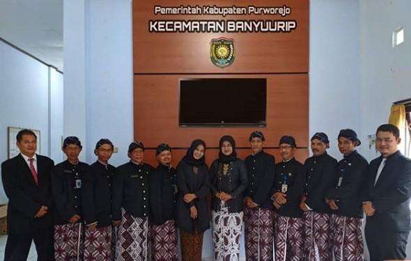 Pemakaian Busana Adat Purworejo Lengkap (Jangkep) pada kamis pertama
