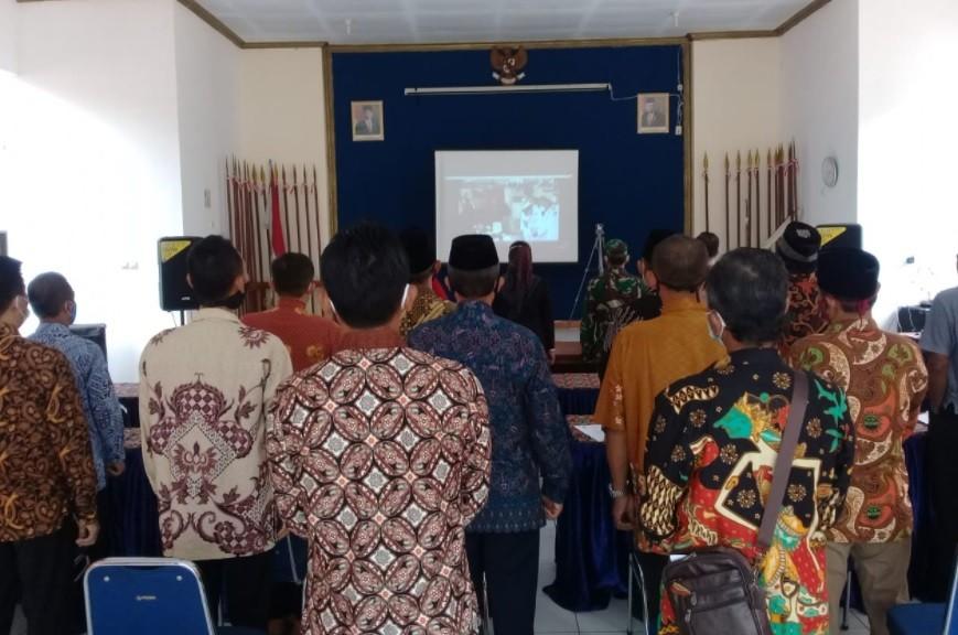 Menyaksikan Pelantikan Bupati dan Wakil Bupati Purworejo melalui Zoom Meeting