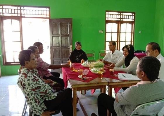 Koordinasi pelaksanaan pembangunan Sarpras Kelurahan Borokulon
