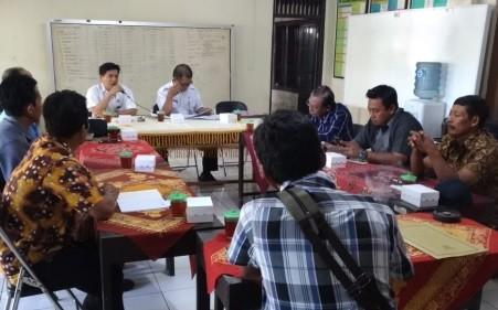 Koordinasi pelaksanaan pembangunan Sarpras Kelurahan Kledungkradenan
