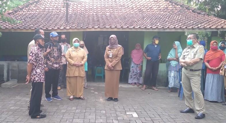 Wabup Yuli Hastuti, Kunjungi Korban Kebakaran di Malangrejo
